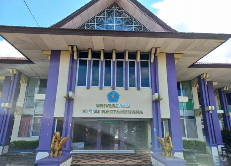 Tiga Balon Rektor Unikarta Resmi Mendaftar